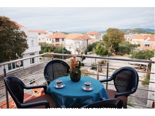 Apartmaji Adrian - Murter Hrvaška
