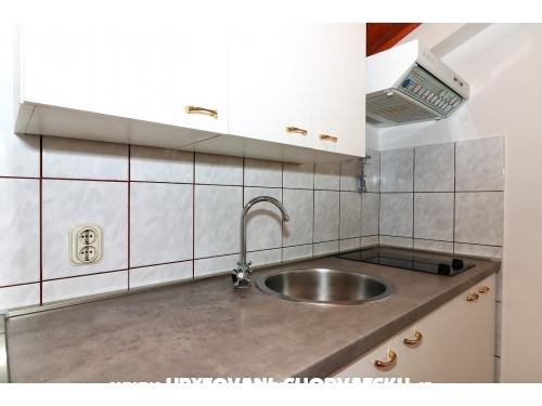Apartmaji Alma - Murter Hrvaška