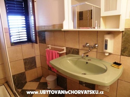 Apartmaji Florijana - Murter Hrvaška