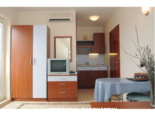Apartments Kristiana - Murter Croatia