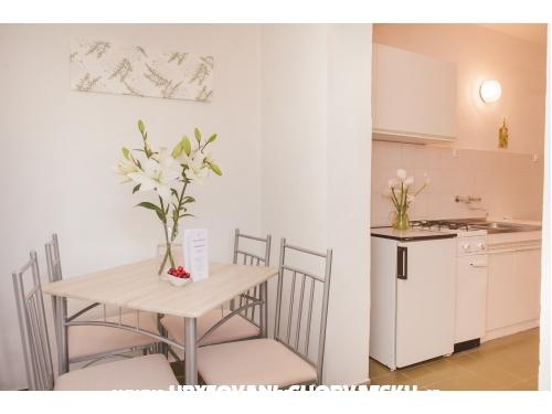 Apartments Lapov - Murter Croatia