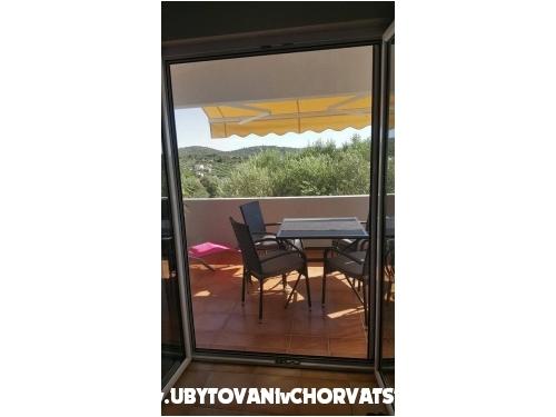 Apartmaji Lidija - Murter Hrvaška