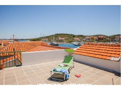 Apartments Lapov - Murter Croatia