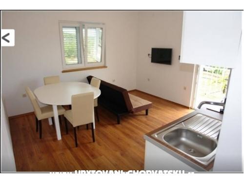 Apartments Marušin - Murter Croatia