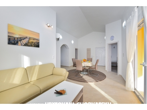 Apartmaji Ana Vrsi Mulo - Nin Hrvaška
