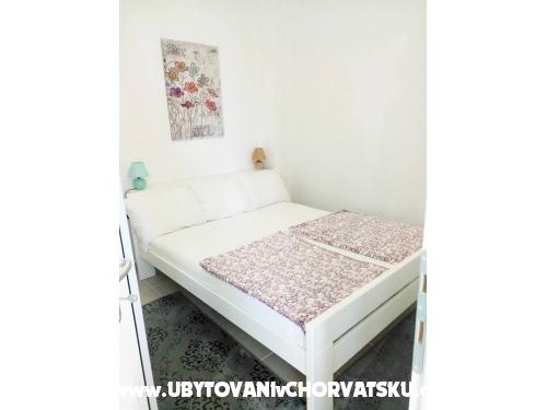 Rose - Nin Chorvatsko