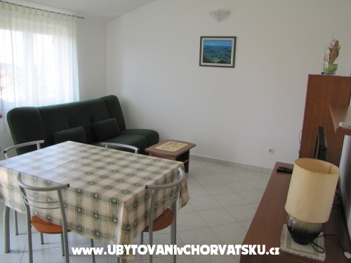 Maena Appartments - Novigrad Croazia