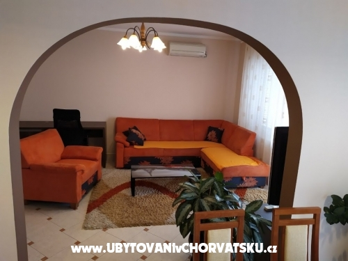 Ferienwohnungen *Tikvesa* Novi Vinodolsk - Novi Vinodolski Kroatien