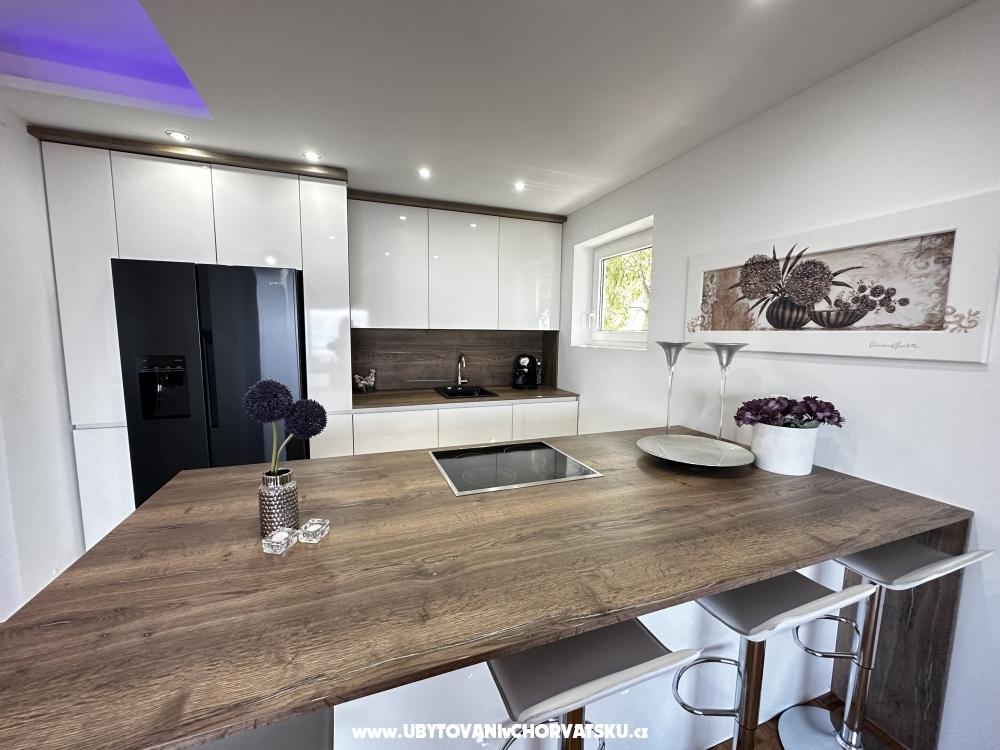 Apartmaji Villa Laurus - Novi Vinodolski Hrvaška