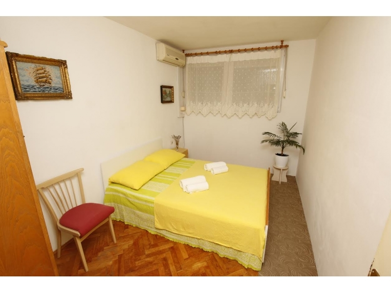 Apartment Crnjanski - Omi� Croatia