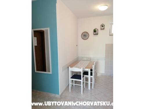 Appartements Ivica Ćosić - Omiš Kroatien