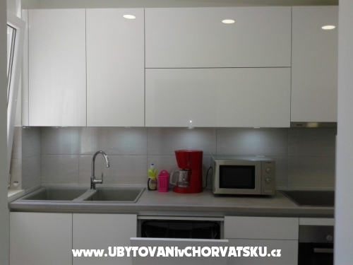 Apartment Nevena 2 - Omiš Croatia