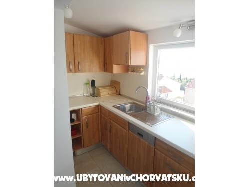 Apartma Perić - Omiš Hrvaška