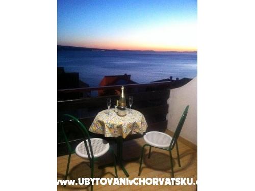 Ku�a za odmor na pla�i - Robinson - Omi� Hrvatska