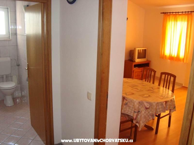 Apartmaji Ana - Omiš Hrvaška