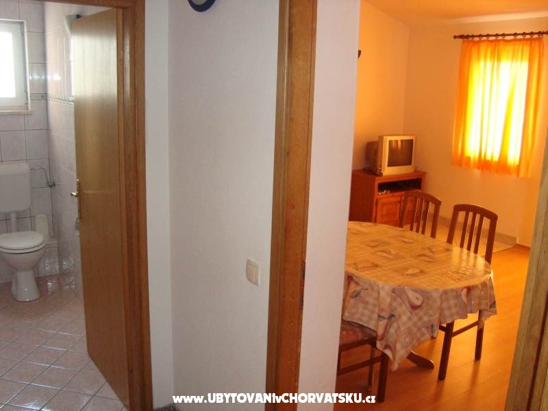 Apartmaji Ana - Omi� Hrva�ka