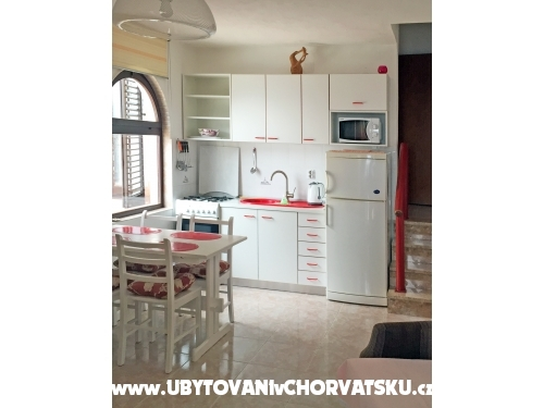 Apartments Majda - Omi� Croatia