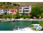 Omis Apartments Ana