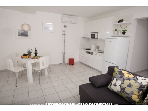 Apartments Andrea - Omi� Croatia