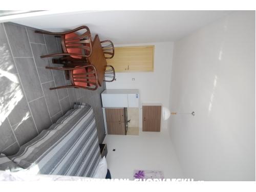 Apartments Batinic - Omiš Croatia