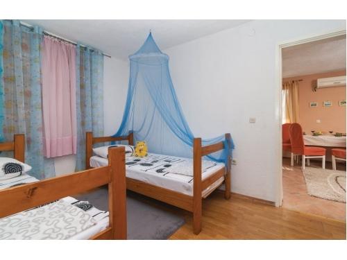 Apartmaji Bernarda Stanići - Omiš Hrvaška