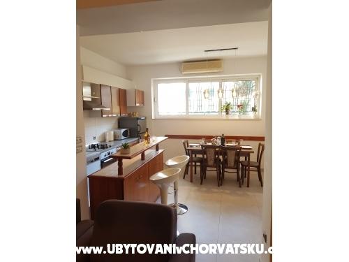 Apartamenty Centar Omi� - Omi� Chorwacja