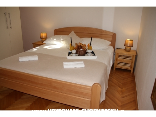 Apartments Cvita - Omi� Croatia
