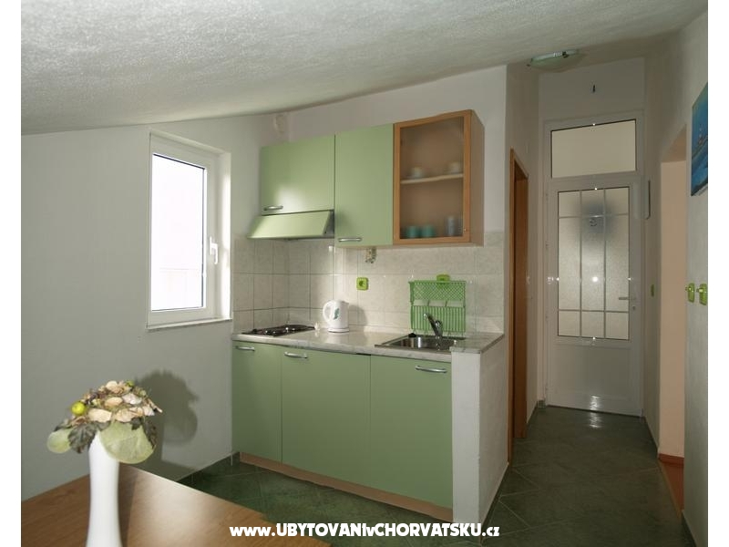 Apartments Dino - Omi� Croatia