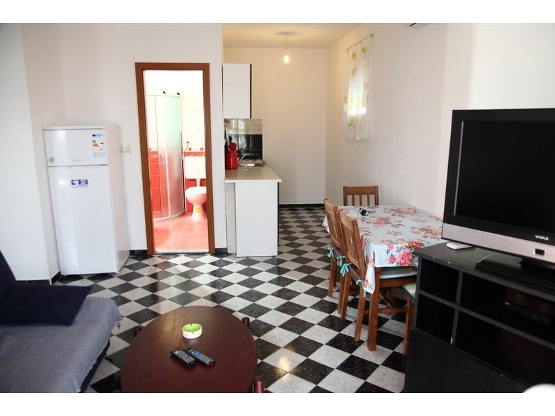 Appartamenti Dona - Omi� Croazia