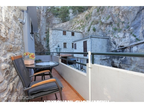 Apartments Dora - Omiš Croatia