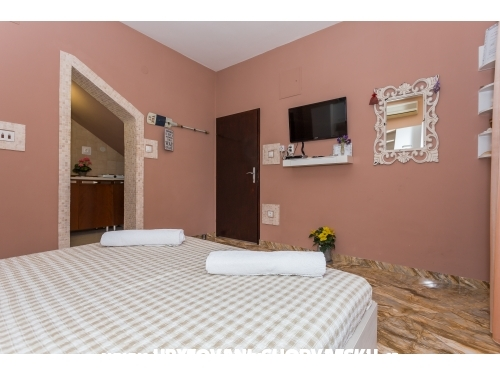 Apartments Ivica - Omi� Croatia