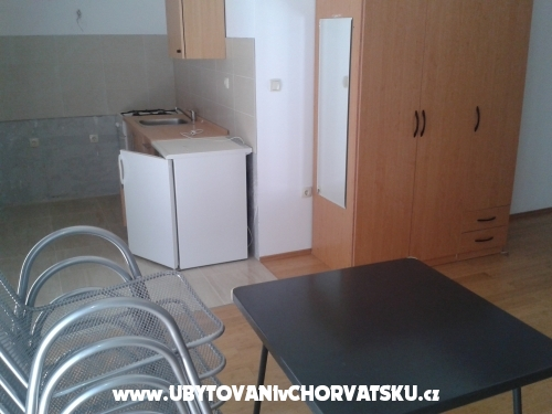 Apartments Jukic - Omi� Croatia