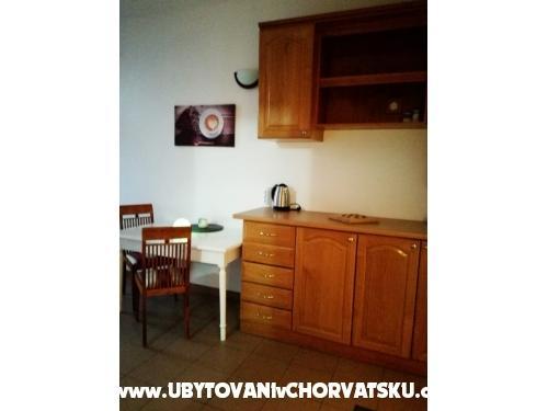 Apartm�ny Kaktus - Omi� Chorv�tsko