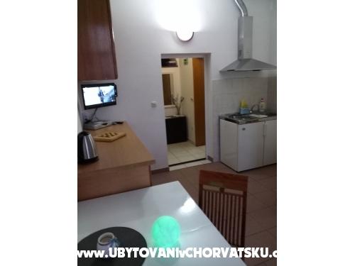 Apartmanok Kaktus - Omiš Horvátország