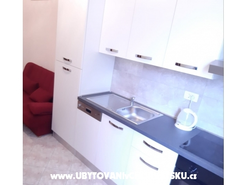 Apartments Karolina - Omiš Croatia