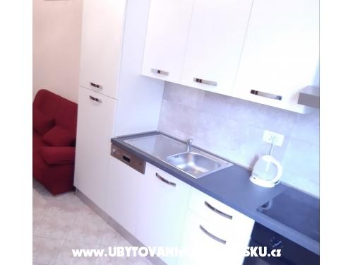 Apartmanok Karolina - Omiš Horvátország
