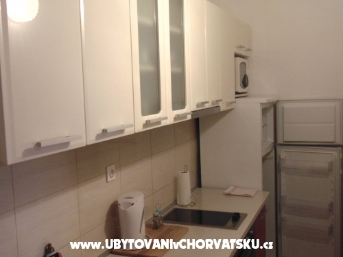 Apartments Marija Jeli� - Omi� Croatia