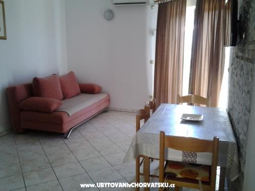 Apartmaji Marko - Omiš Hrvaška