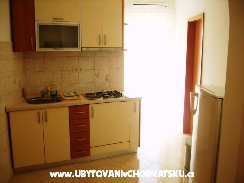 Apartmanok Mate - Omiš Horvátország