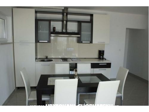 Apartments Moonlight - Omiš Croatia
