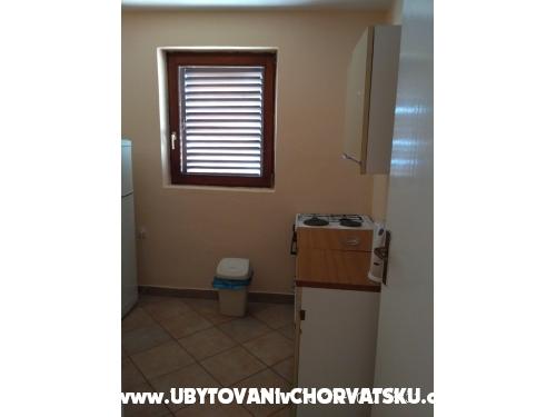 Apartmanok Mrvic Marušići - Omiš Horvátország
