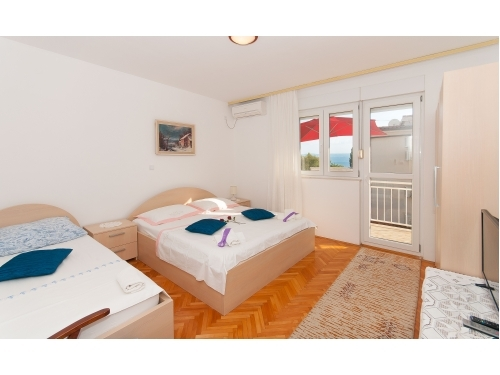 Apartmaji Neda Vulić - Omiš Hrvaška