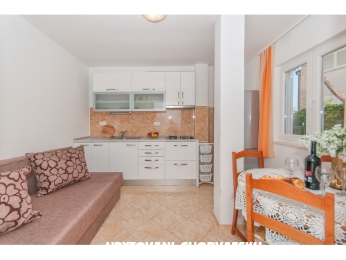 Appartementen Neda Vulić - Omiš Kroatië