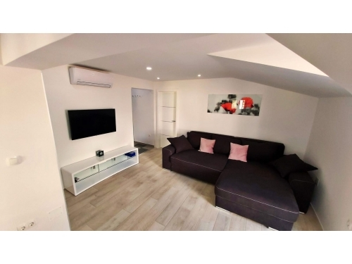 Apartments NIL - Omi� Croatia