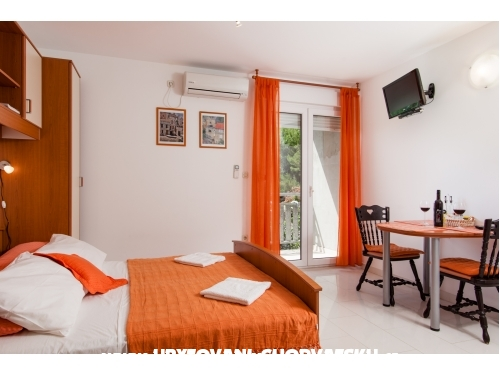 Apartments Pavlovi� Du�e - Omi� Croatia