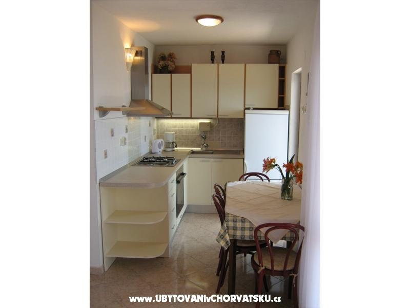Apartments Vera - Omi� Croatia