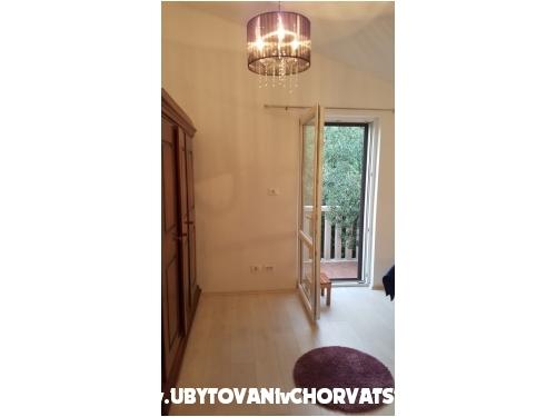 Appartamenti Villa Roza - Omiš Croazia