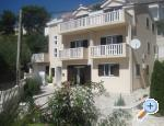 Apartments Villa Roza - Omiš Croatia