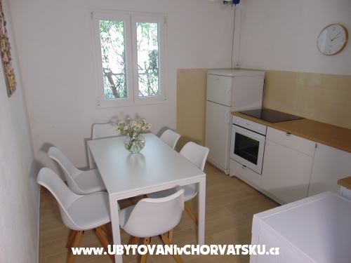 Apartment Zivkovic - Omiš Kroatien
