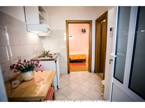 Appartamenti Teni - Omiš Croazia